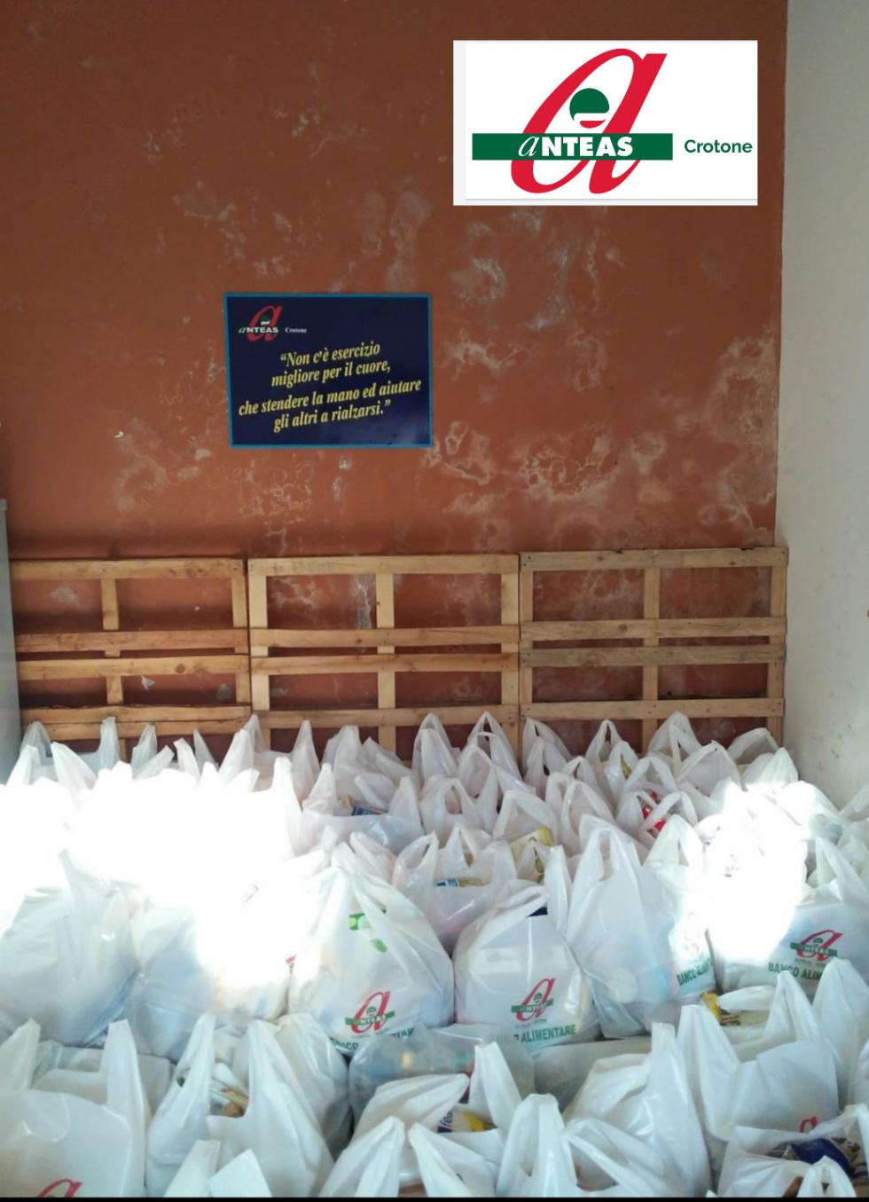 Iniziativa di Anteas Crotone per le famiglie più bisognose