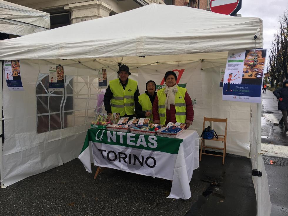 Anteas Torino alla fiera Santa Caterina di Rivoli