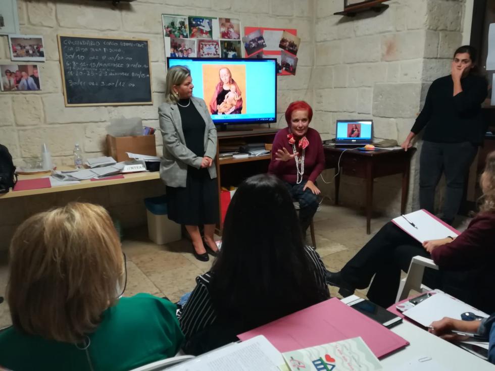 Avvio a Napoli del corso di formazione delle Botteghe della Fuducia con la docente Laura Fabiano