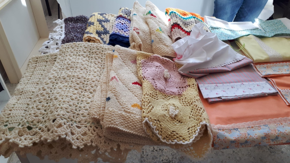 Le volontarie di Anteas S.Benedetto del Tronto hanno realizzato corredini per i bambini meno fortunati