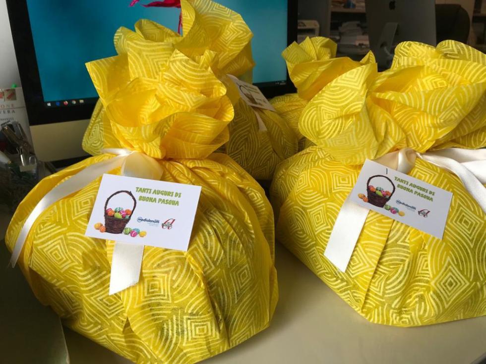 Anteas Treviso consegna colombe pasquali in collaborazione con banca Mediolanum