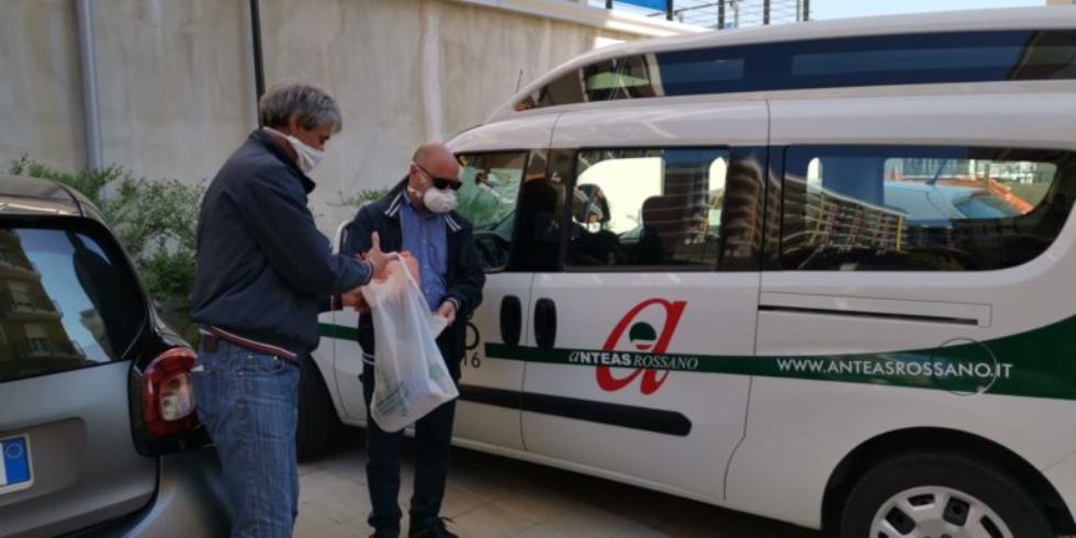 Anteas Rossano, in collaborazione col Comune, consegna farmaci a domicilio.
