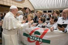 Delegazione di Anteas Sardegna in udienza da papa Francesco alla Sala Nervi in Vaticano
